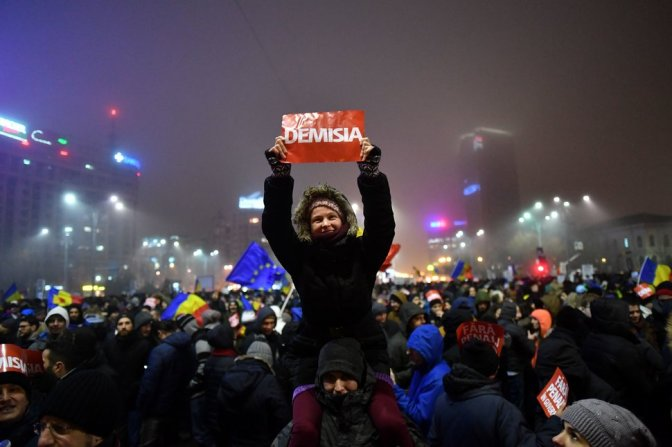 ROMANIA-POLITICS-CORRUPTION-PROTEST