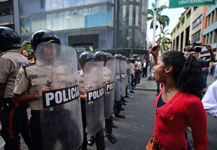 TOPSHOT-VENEZUELA-PARLIAMENT